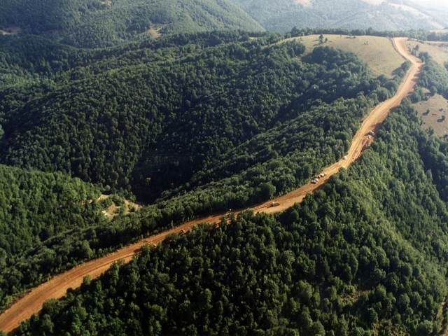 Western_Route_Export_Pipeline_construction_Georgia_February_1998_640x480